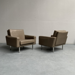 400 Series club chair by Theo Ruth for Artifort – Netherlands 1950s